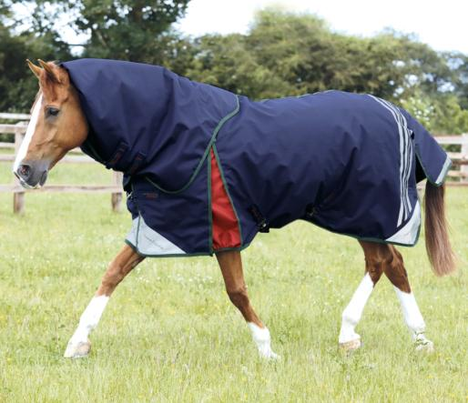 Lucanta Stratus 450g Turnout Rug with Neck Cover